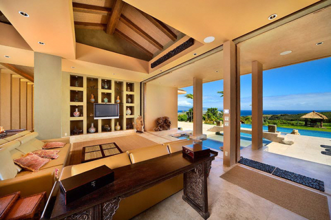 Fractional ownership home furnishing by the best decorators.  This is one of our many gorgeous fractional ownership properties in Hawaii and around the world.